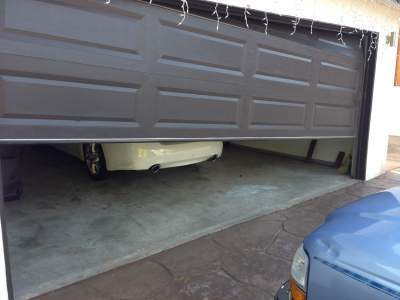 Off Track Garage Doors Sacramento Ca Call Now For Free Quote